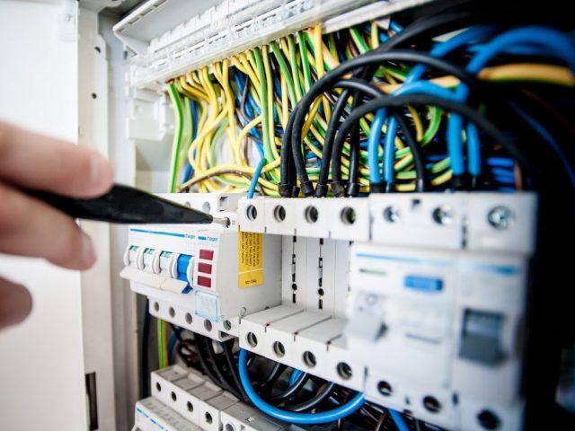 electrician-in-devon